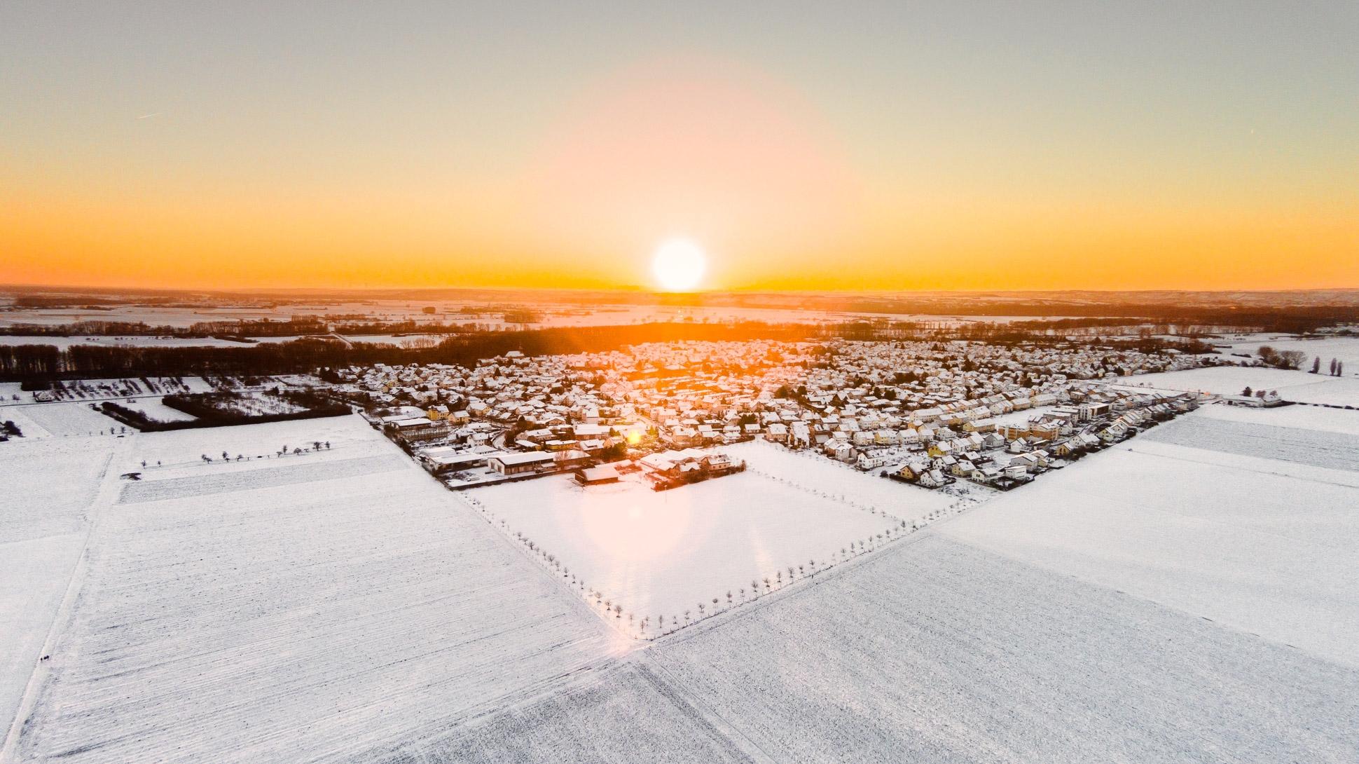 Luftbild Trebur im Sonnenuntergang