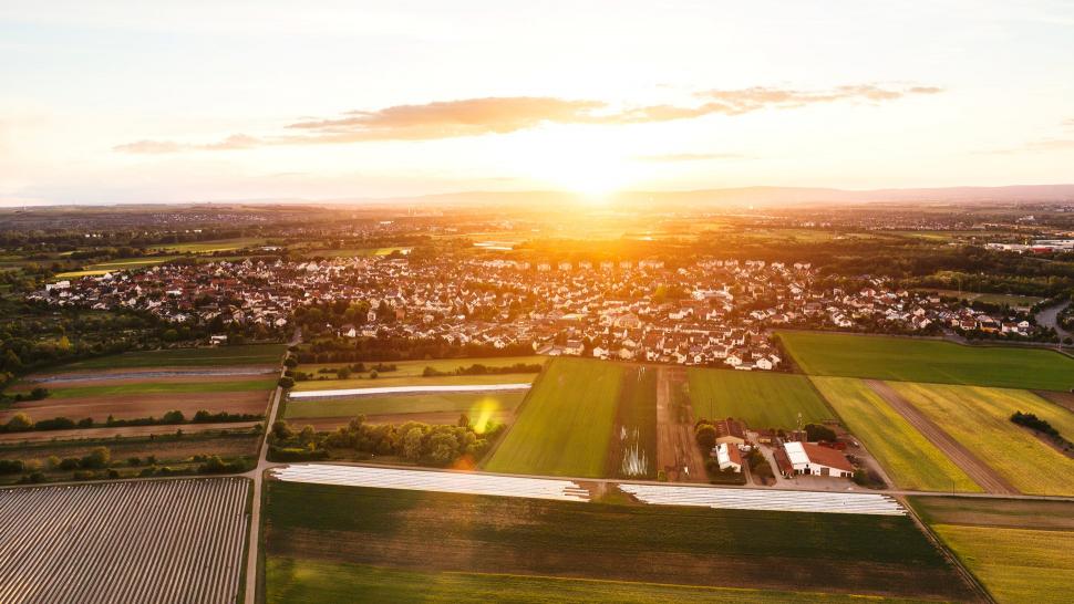 Luftbild Rüsselsheim-Bauschheim im Sonnenuntergang