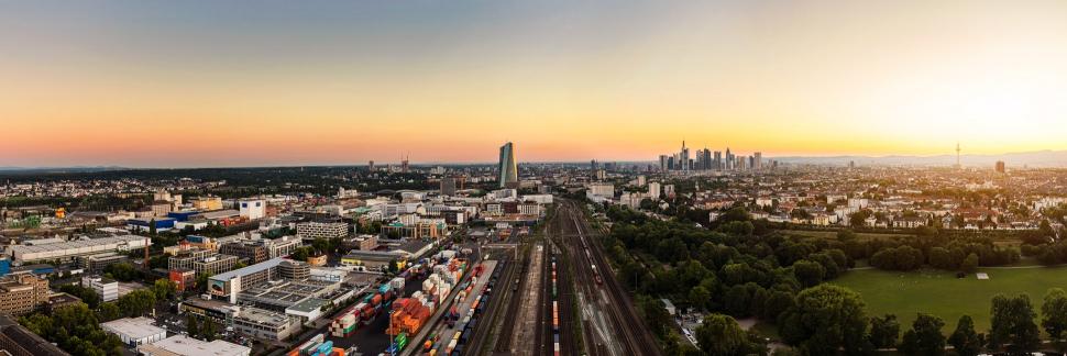 Luftbild Frankfurt am Main Ost Sonnenuntergang