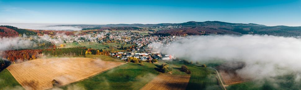 Luftbild Glashütten-Schloßborn