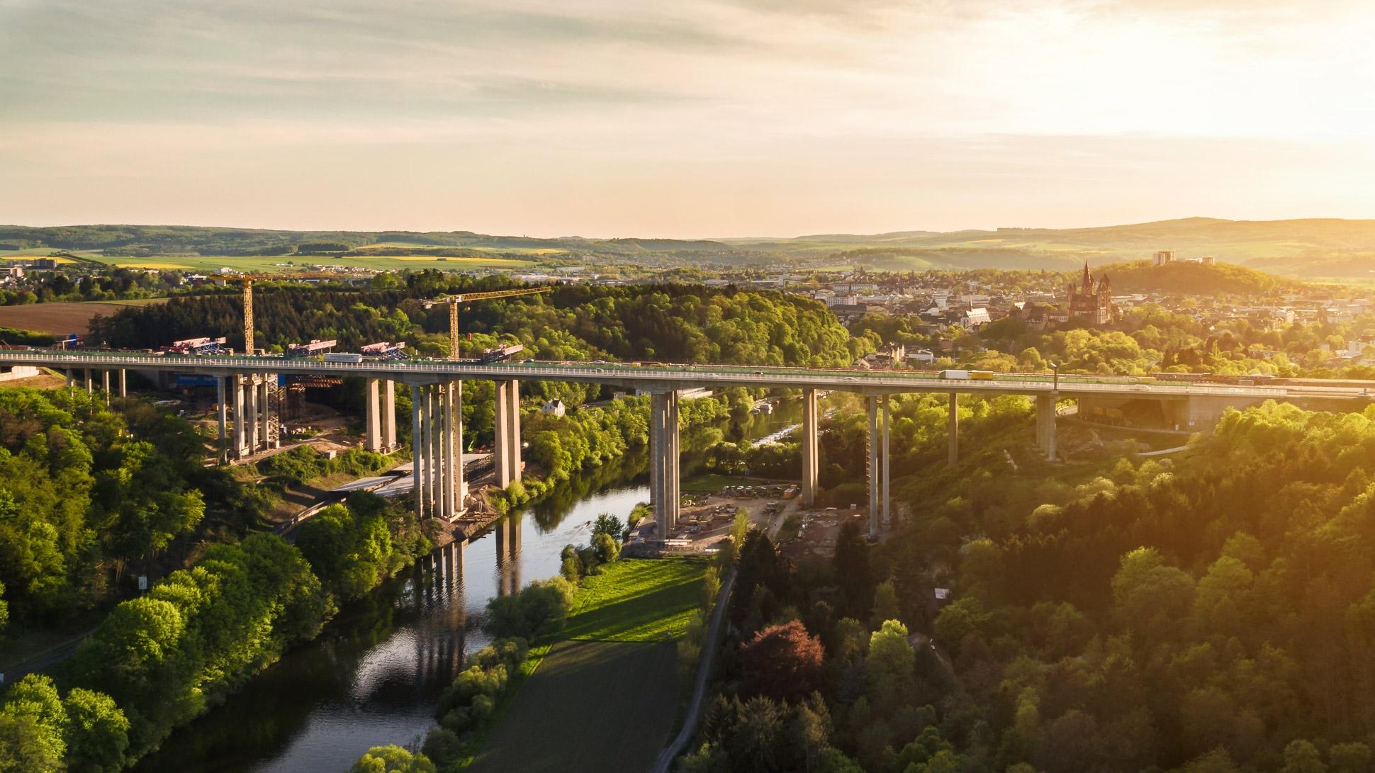 Luftbild Alte & Neue Lahntalbrücke Limburg