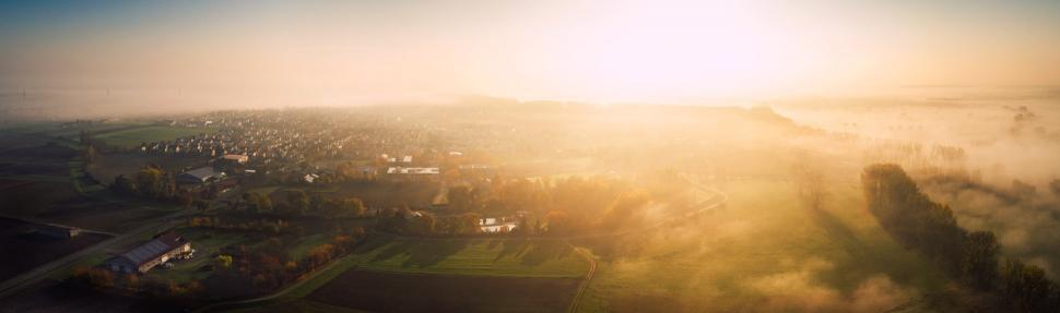 Luftbild Trebur im Nebel