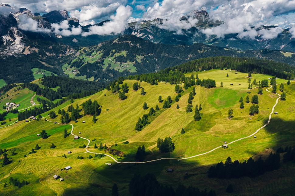 Luftbild Armentarawiesen Wengen